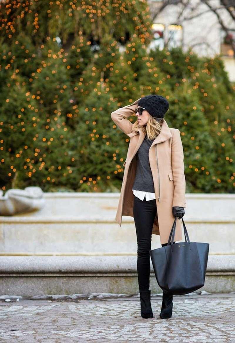 chapeau-femme-hiver-bonnet-tricot-noir-manteau-chameau