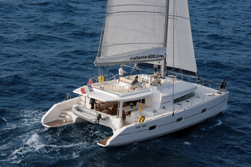 yatch_hotel_catamaran