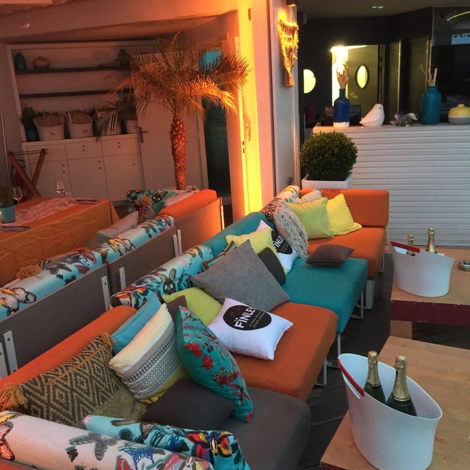 Face à la mer la déco de la Folie douce à Cannes