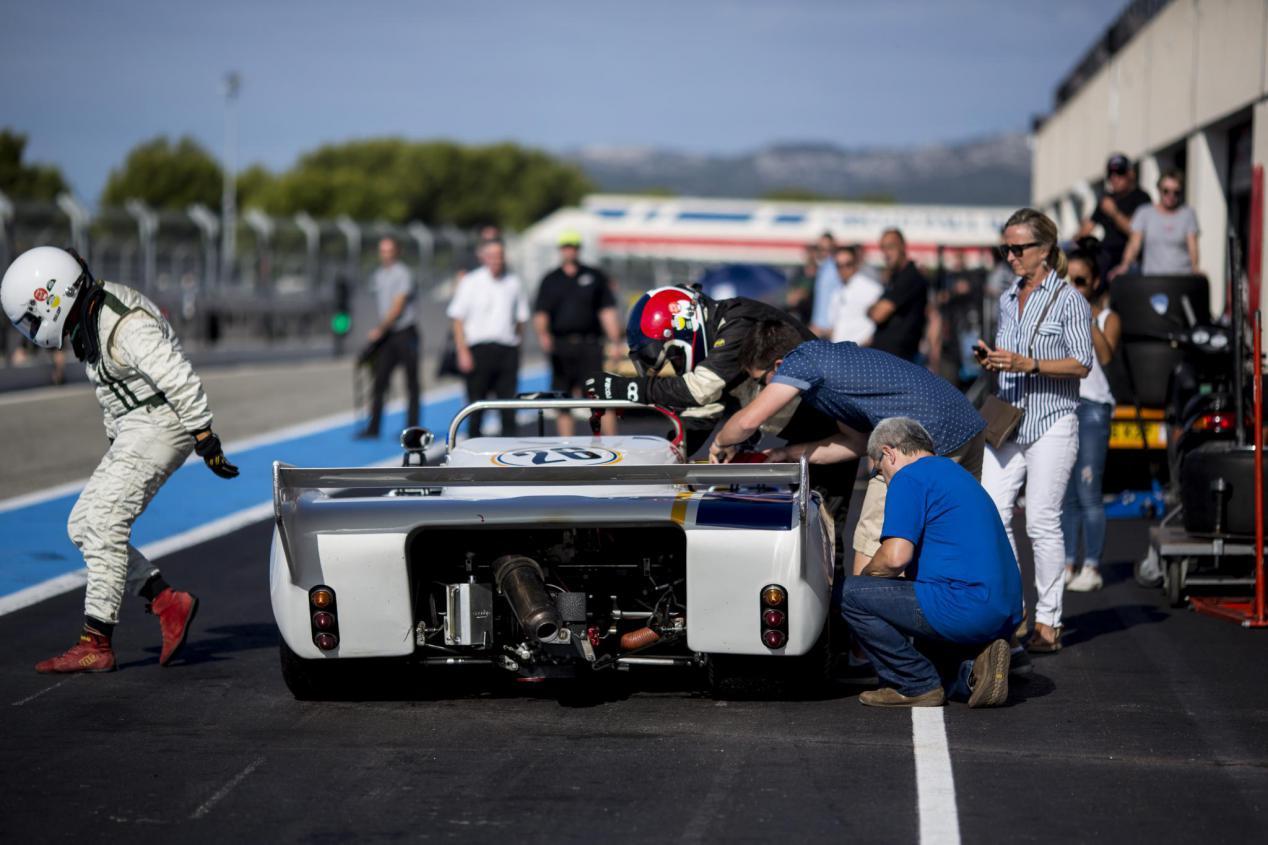une vue imprenable sur la piste circuit Paul Ricard